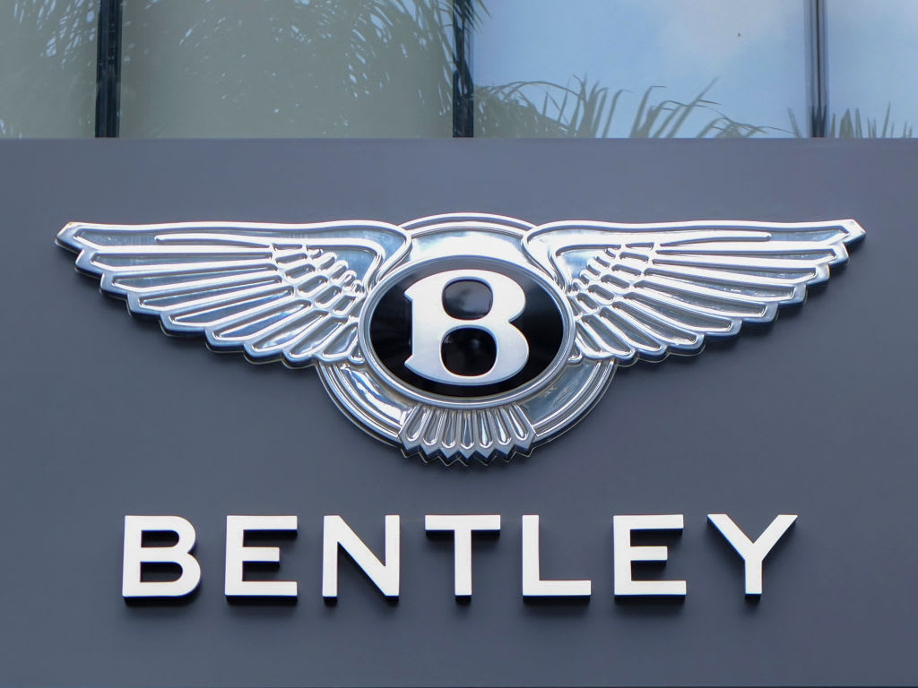 https://www.gmi-co.com/wp-content/uploads/2020/11/famed-luxury-carmaker-bentley-to-go-fully-electric-by-2030.jpg