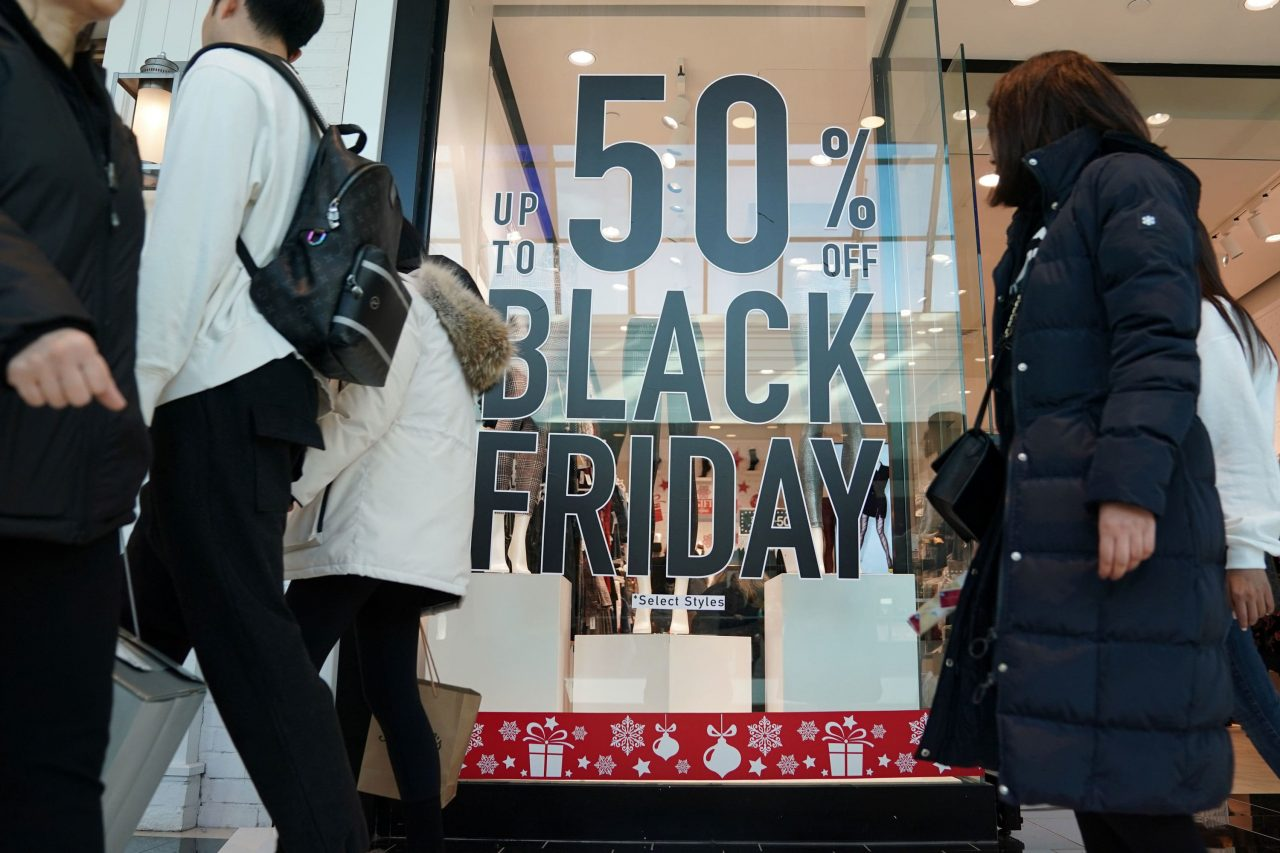 https://www.gmi-co.com/wp-content/uploads/2020/12/4-reasons-why-empty-malls-on-black-friday-arent-a-bad-omen-for-the-holiday-shopping-season-1280x853.jpg