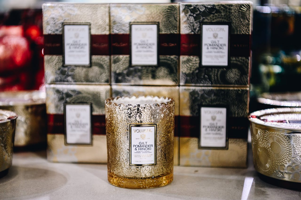https://www.gmi-co.com/wp-content/uploads/2020/12/homebound-shoppers-are-finding-comfort-in-scented-candles-home-fragrances-this-holiday-season-1280x852.jpg