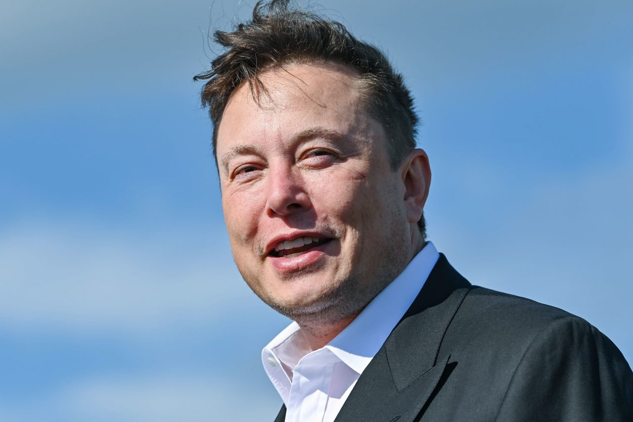 https://www.gmi-co.com/wp-content/uploads/2021/01/elon-musk-is-now-the-richest-person-in-the-world-passing-jeff-bezos-1280x853.jpg
