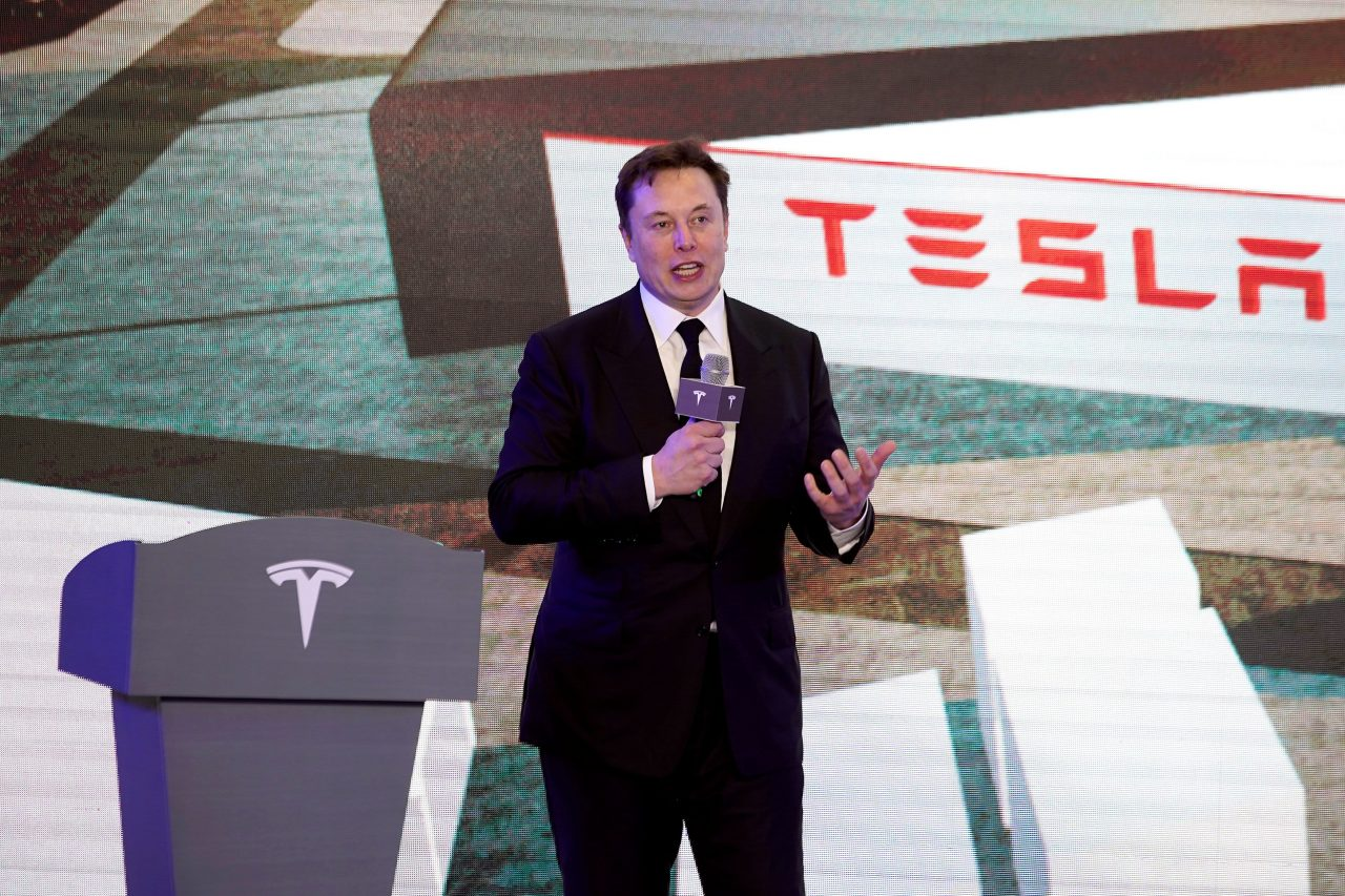 https://www.gmi-co.com/wp-content/uploads/2021/01/tesla-delivers-its-first-shanghai-made-model-y-crossovers-in-china-1280x853.jpg