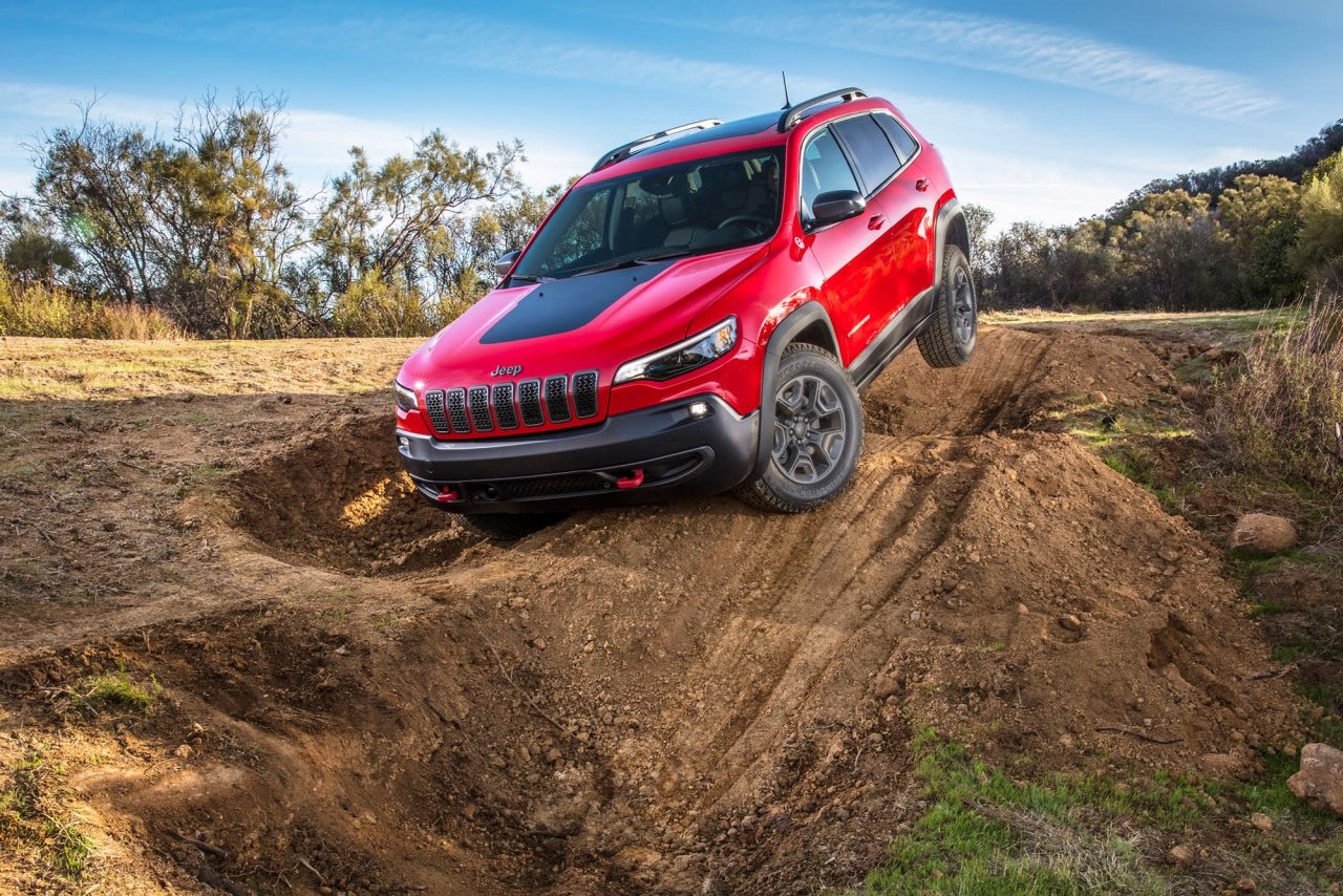 https://www.gmi-co.com/wp-content/uploads/2021/02/chief-of-cherokee-nation-wants-jeep-to-stop-using-tribes-name-on-suvs-1280x854.jpg