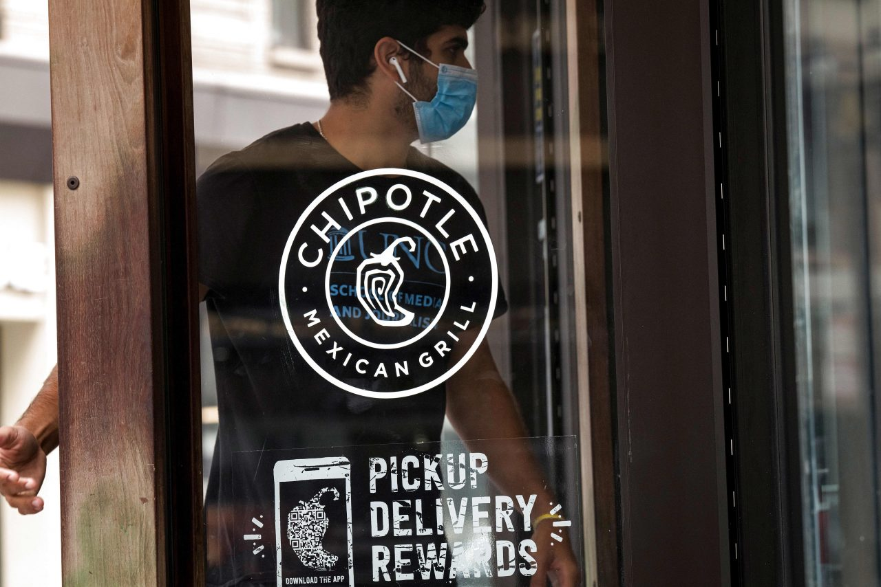 https://www.gmi-co.com/wp-content/uploads/2021/02/chipotle-shares-fall-4-as-surging-digital-orders-ease-from-record-pace-earnings-fall-short-1280x854.jpg