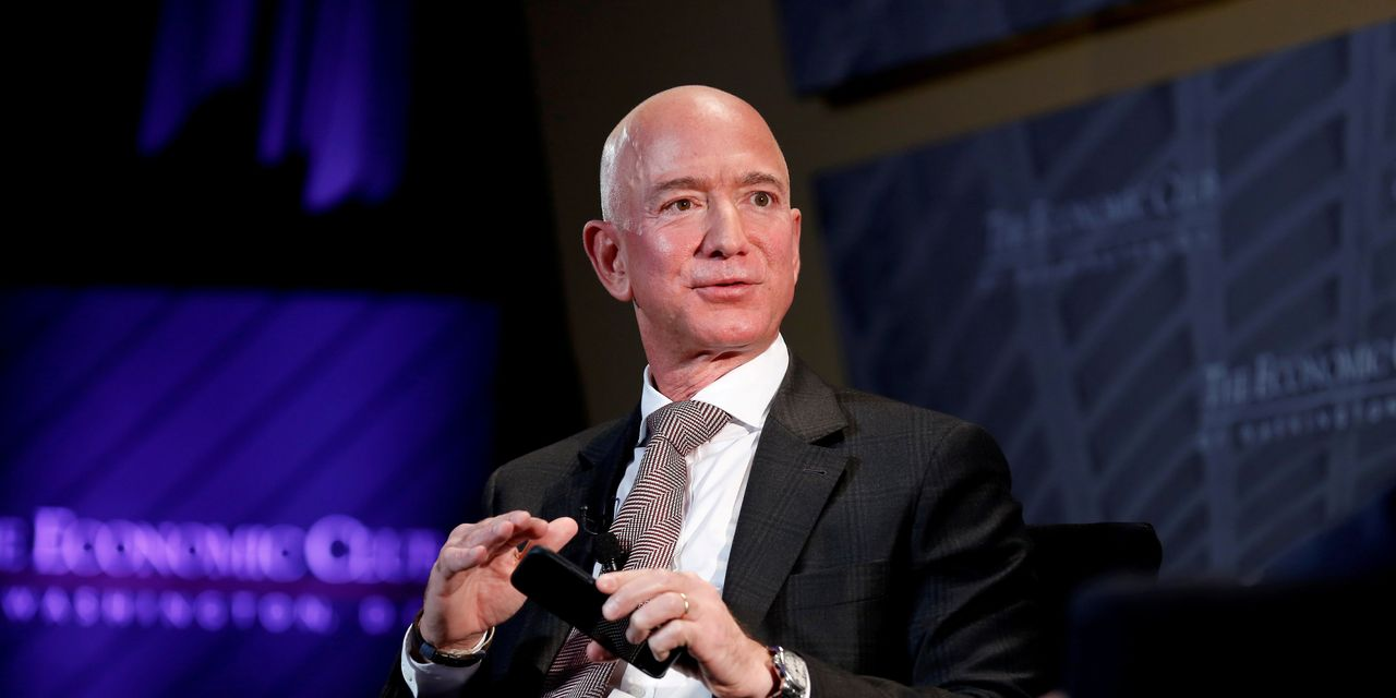 https://www.gmi-co.com/wp-content/uploads/2021/02/why-jeff-bezos-is-stepping-down-as-ceo-but-staying-on-as-executive-chairman.jpg
