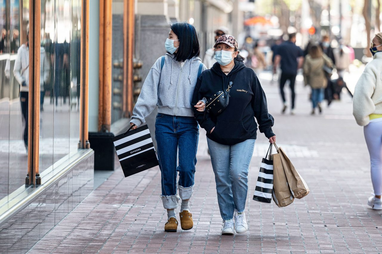 https://www.gmi-co.com/wp-content/uploads/2021/04/the-post-pandemic-spending-spree-has-begun-here-are-6-things-americans-are-buying-1280x853.jpg