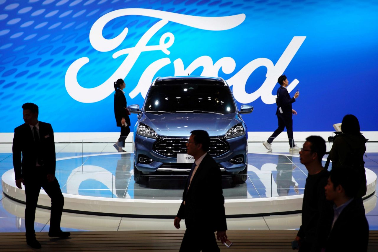 https://www.gmi-co.com/wp-content/uploads/2021/05/ford-vs-gm-why-two-traders-prefer-ford-as-it-doubles-down-on-electric-vehicles-1280x853.jpg