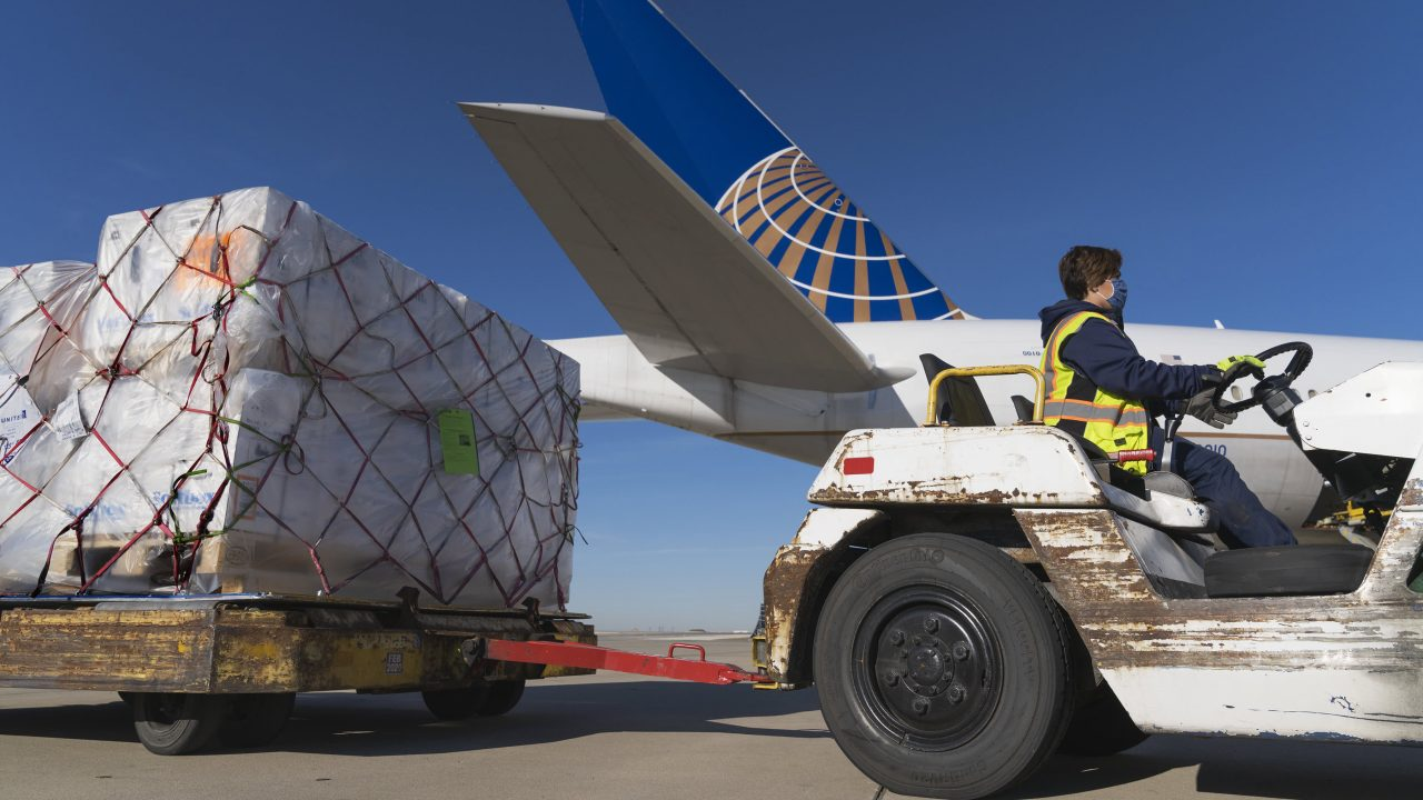 https://www.gmi-co.com/wp-content/uploads/2021/06/united-airlines-says-rising-travel-demand-will-spare-flight-attendants-thousands-of-others-from-furlough-this-fall-1280x720.jpg