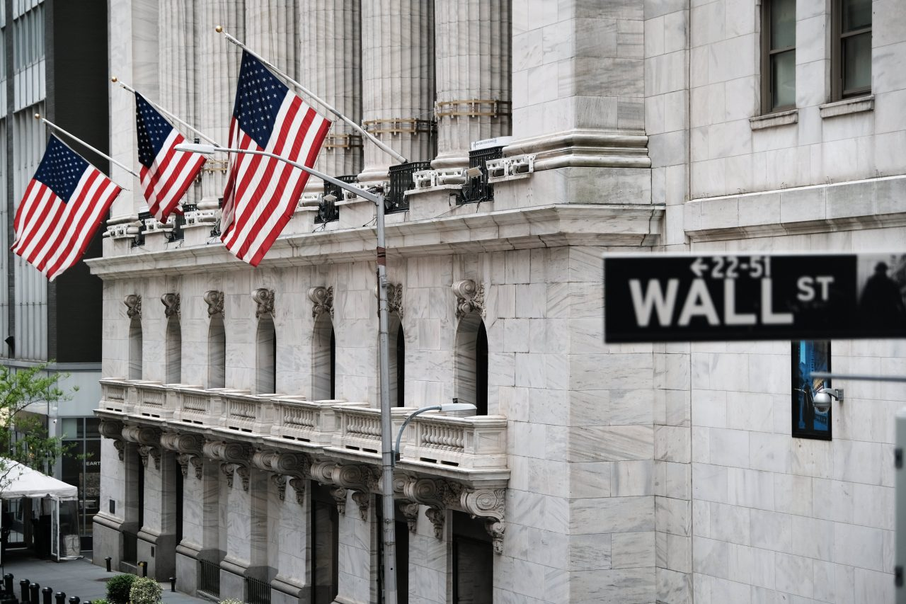 https://www.gmi-co.com/wp-content/uploads/2021/07/investors-buy-tech-stocks-to-hedge-inflation-fed-rate-hike-jim-cramer-says-1280x853.jpg