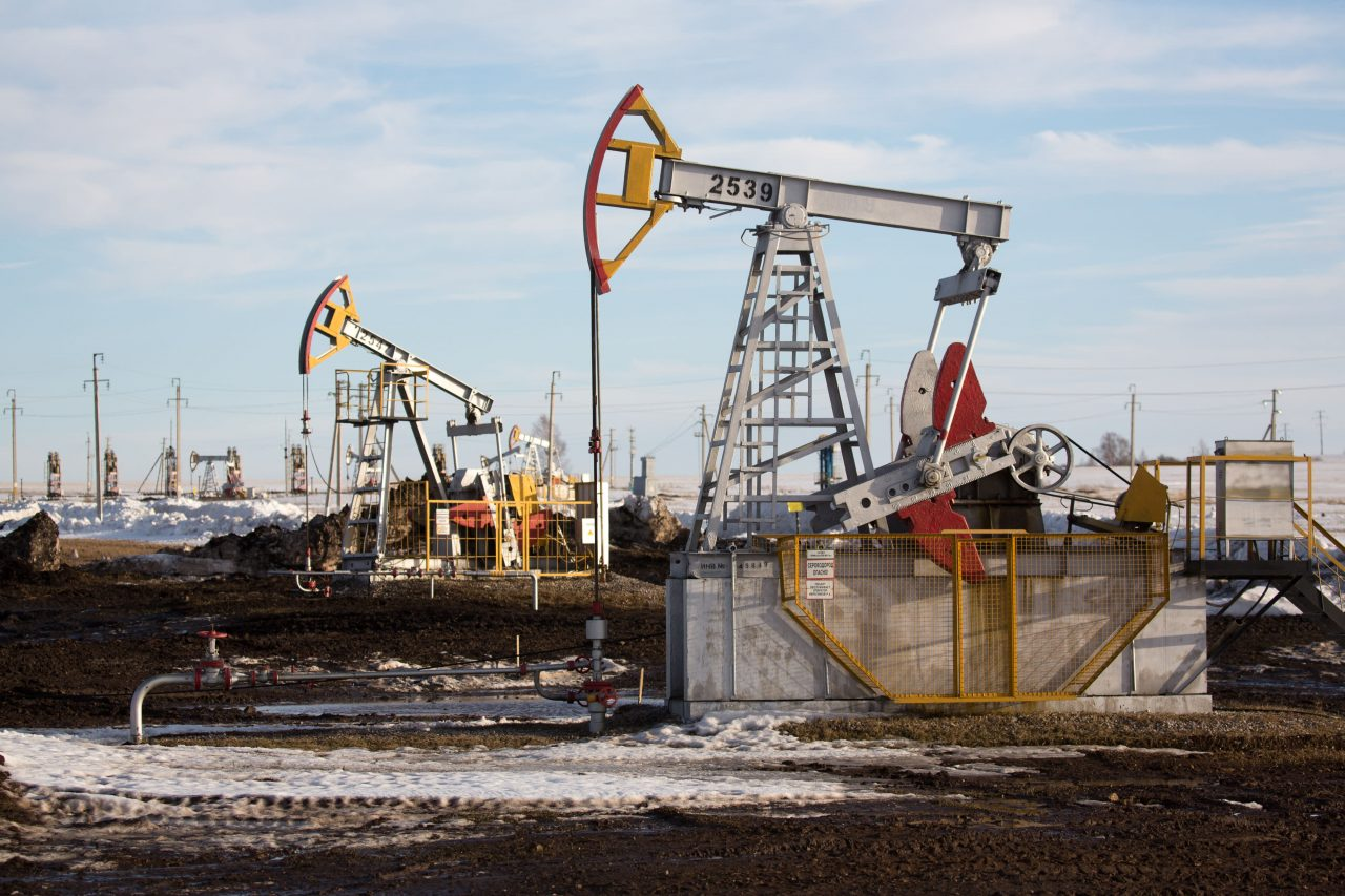 https://www.gmi-co.com/wp-content/uploads/2021/07/oil-prices-jump-to-multiyear-highs-after-opec-talks-yield-no-production-deal-1280x853.jpg