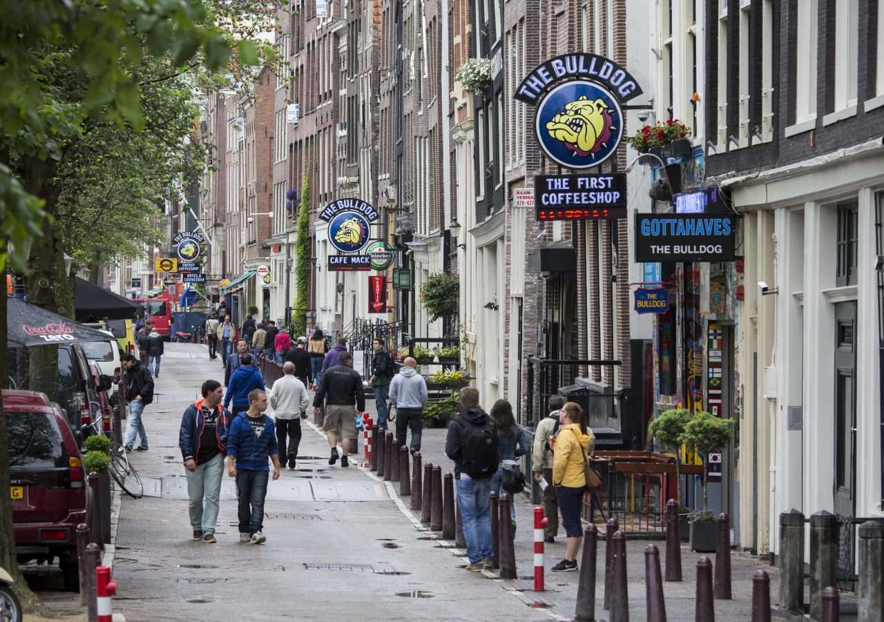 https://www.gmi-co.com/wp-content/uploads/2021/09/amsterdams-coffeeshops-already-hit-by-covid-fear-a-clampdown-on-tourists-1280x901.jpg