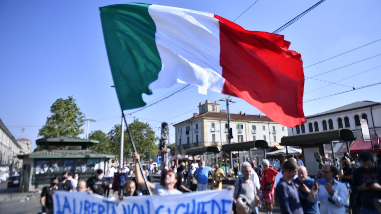 https://www.gmi-co.com/wp-content/uploads/2021/09/italy-makes-covid-passports-mandatory-for-all-employees-1280x720.jpg